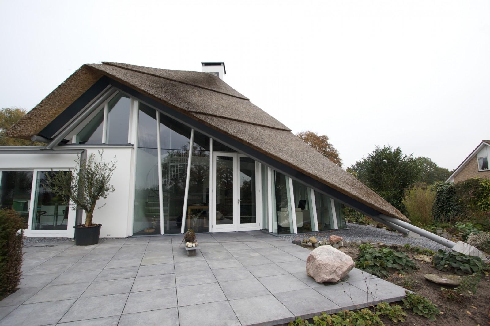 Moderne villa bouwbedrijf huurdeman - Huis in de moderne ...